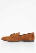 STYLE REPUBLIC - Suede tassel slip-on shoes - tan