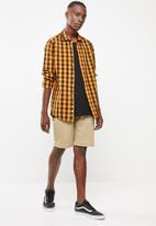Superbalist - Poplin check shirt - mustard