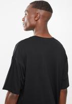 Superbalist - Printed loose fit tee - black