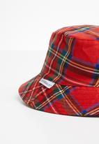 Superbalist - Bucket hat - red