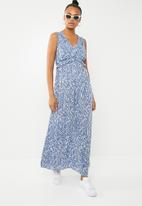Vero Moda - Molly maxi dress - blue