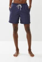 Superbalist - Basic elasticated swim shorts - navy & red