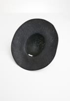 Superbalist - Bobble panama black trim - black