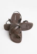 STYLE REPUBLIC - 2 Criss cross sandals - brown
