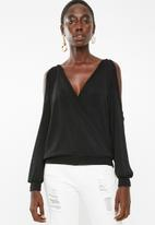 Superbalist - Cold shoulder wrap top - black