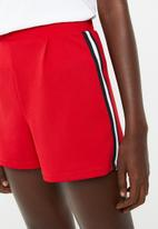 Superbalist - Soft structured short - red