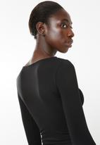 Superbalist - Cropped scoop neck top - black