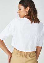 Supré  - V neck boxy crop - white
