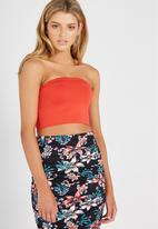 Supré  - Luxe strapless crop - red