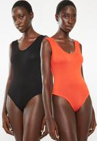 Superbalist - 2 Pack scoop neck bodysuit - black and orange
