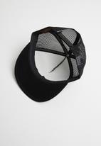 Nixon - Ridge trucker cap - black