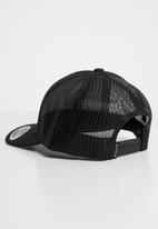 Nixon - Iconed trucker cap - black
