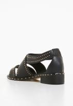 843d56de9 Studded crossover low heel sandals - black Truffle Sandals   Flip ...