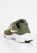 Nike - Presto fly - medium olive, white & black
