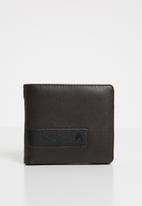 Nixon - Showdown bi-fold zip wallet - brown