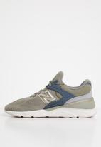 New Balance  - X90 women's- t2 engineered knit - green