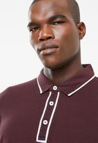 STYLE REPUBLIC - Block placket piquet golfer - maroon