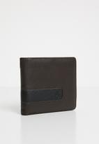 Nixon - Showtime bi-fold ID zip wallet - brown