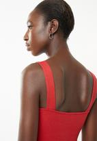 Superbalist - 2 Pack square neck vest - red & black