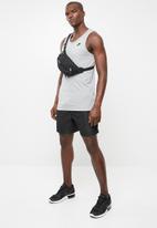 Nike - Nsw tank club embroidered - grey