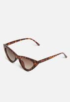 Superbalist - Kids girls cats eye sunglasses - brown