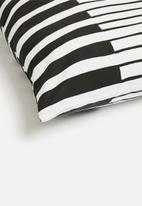 Sixth Floor - Felix cushions cover - black & white