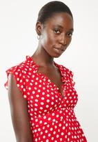 Revenge - Frilly polka dot dress - red