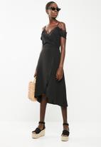 Revenge - Wrap dress with lace neckline - black