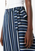 Superbalist - Cut up hem midi skirt - - blue stripe