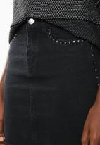 Vero Moda - Sina metal stud denim skirt - black