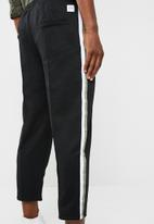 Only & Sons - Cup football track pants - black