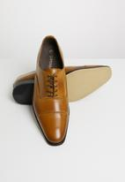 Superbalist - Cap toe leather oxford - brown