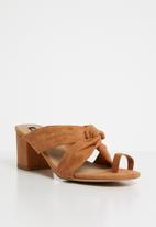 Cherry Collection - Mexico knot detail mules - tan