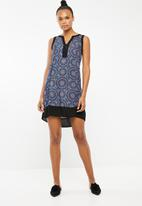 Revenge - Printed tunic with border hem - multi