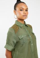 Revenge - Shirt with lace detail - khaki green