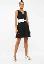 Brave Soul - Scalloped edge dress - black