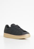 adidas Originals - Superstar 80s new bold w - core black / gold met