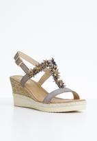 Butterfly Feet - Keisy flower detail wedges - brown
