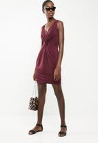Superbalist - Knot front detail dress - burgundy