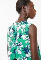 Superbalist - Button back turtleneck blouse - green floral