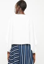 Superbalist - Cold shoulder scarf top - white