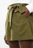Superbalist - Linen blend short - green