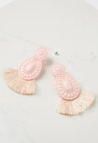 Cotton On - Baboshka fan tassel statement earrings - pink