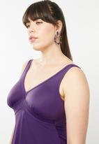 Jacqueline Plus - V-neck swim dress - purple