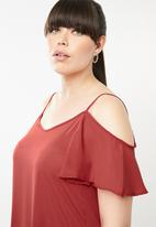 STYLE REPUBLIC PLUS - Cold shoulder tunic - red