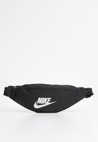 Nike - Nike sportswear heritage - black