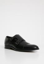 Superbalist - Austin monk strap shoe - black