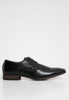Superbalist - Jude lace-up shoe - black