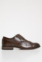 Superbalist - Joshua brogue - brown
