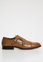Superbalist - Austin monk strap shoe - tan